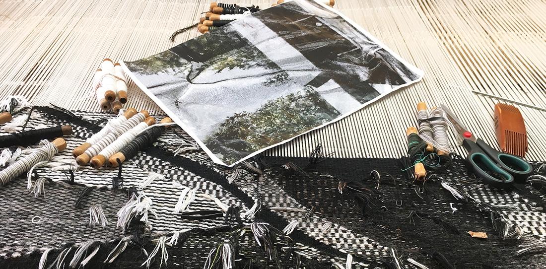 Lucite, d'après Eva Nielsen, tissage en cours, Atelier Patrick Guillot, Aubusson